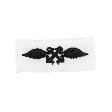 NAVY (AB) Striker Mark Rating Badge: Aviation Boatswain's Mate - White