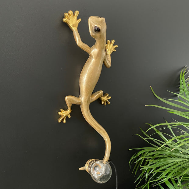 Gold gecko wall lamp
