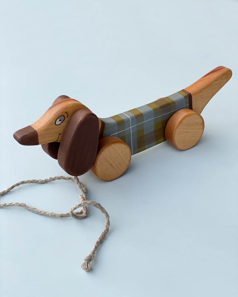 "Handmade Pull Along Dog Toy <br/> <font size=""2.7"">Gives 5 meals</font>"