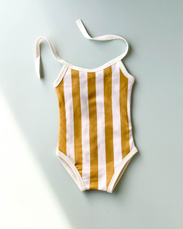 "Swimsuit - Stripes <br/> <font size=""2.7"">Gives 5 meals</font>"