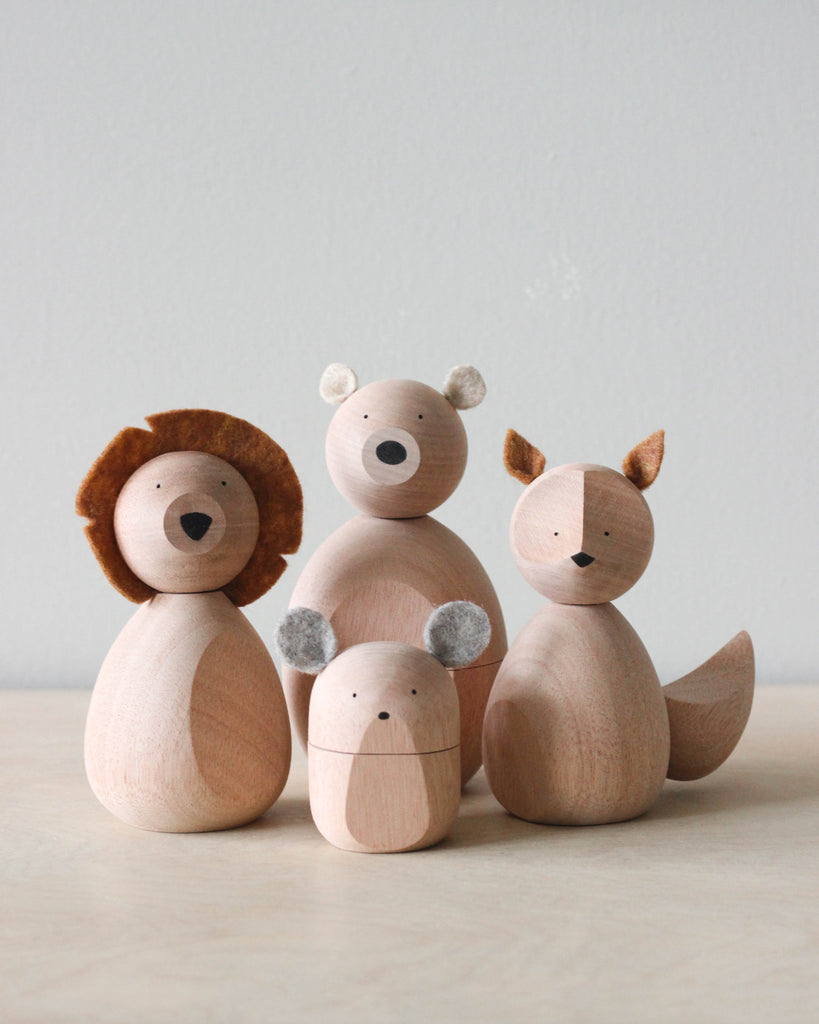 "Magnetic Wooden Animals <br/> <font size=""2.7"">Gives 8 meals</font>"