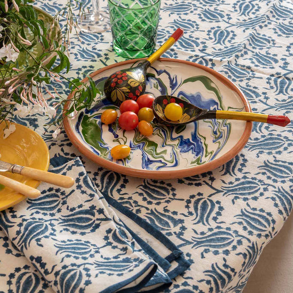 Penny-Morrison-Tulip-Blue-and-White-Tablecloth-Unique-Pretty-Beautiful-Colourful-Bold-3
