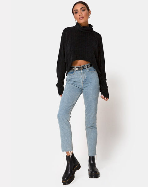 Evie Cropped Sweatshirt in Chenille Black by Motel