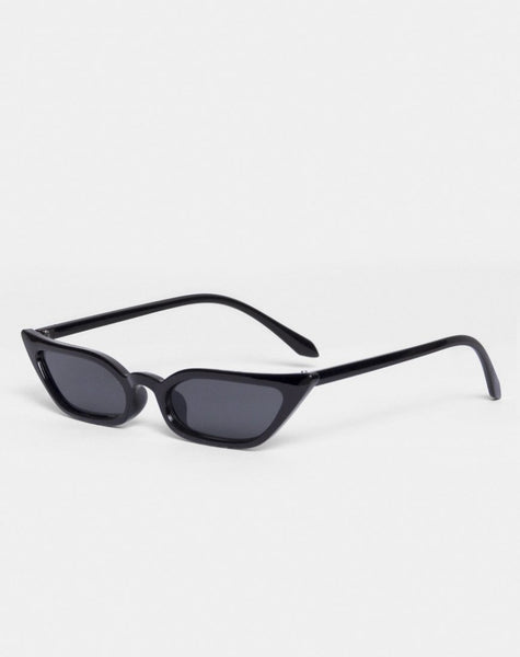 Hailey Sunglasses in Black by Motel