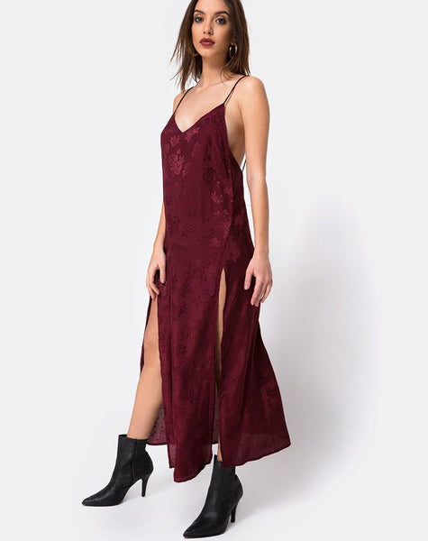 Hime Maxi Dress in Satin Burgundy Rose by Motel