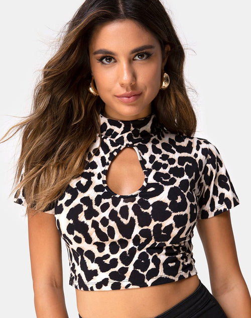 Jiso Crop Top in Oversize Jaguar Ori by Motel