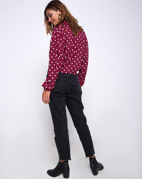 Lauv Shirt in Medium Polka Wine by Motel