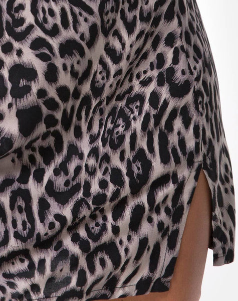 Sheny Mini Skirt in Leopard Grey by Motel