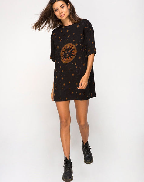 Sunny Kiss Tee in Celestial Black Placement by Motel
