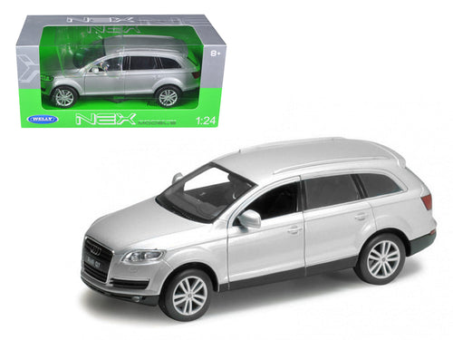 Audi Q7 Silver 1/24 Diecast Car Model by Welly | Allshop.store