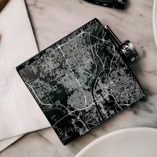 Little Rock - Arkansas Map Hip Flask in Matte Black