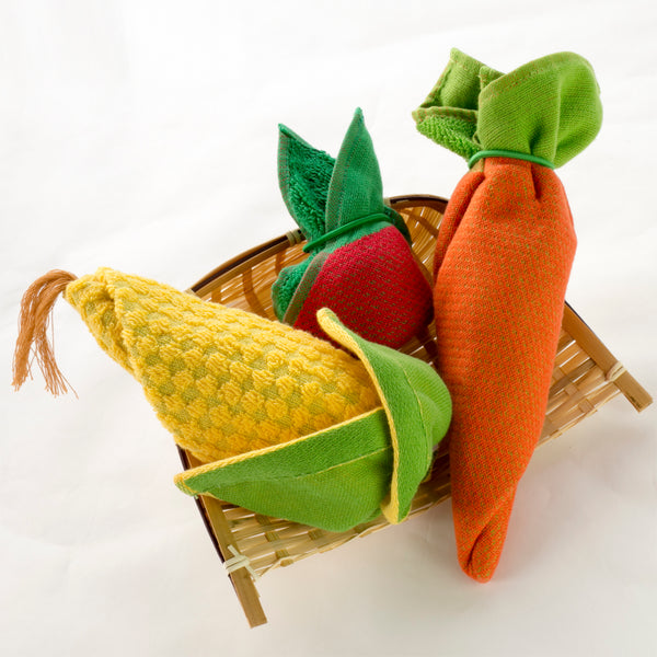 geo design : vegetable towel rolled