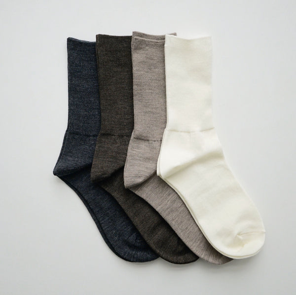 hakne : merino wool ribbed socks