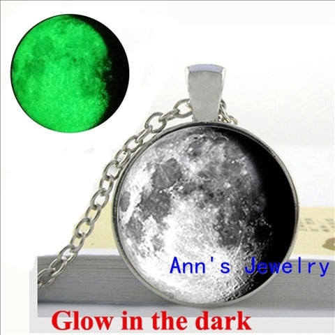Full Glowing Moon Glass Round Necklace