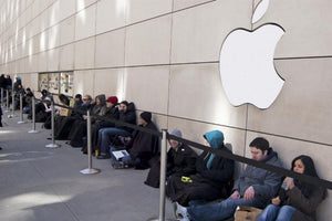 Be Prepared to Wait in Long Lines for iPhone 6