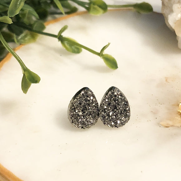 Tear Drop Druzy Earrings - Grey