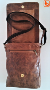 Italian Vintage Style, Oiled Leather, Unisex Crossbody Bag.
