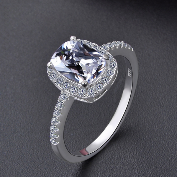 925 Sterling Silver - Simply Stunning Gem Ring