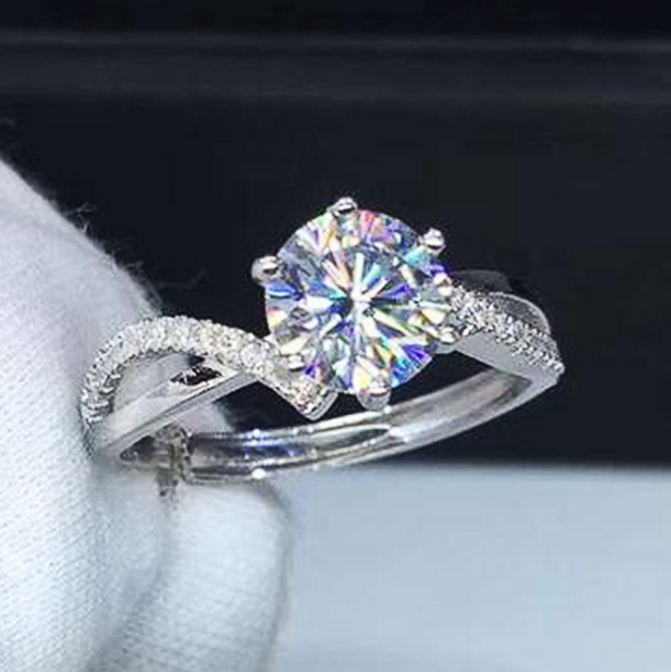 Majestic Vine 6-Claw Engagement Ring