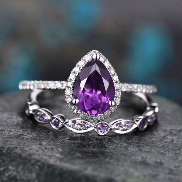 Purple Pear-Cut Luxurious Engagement Ring