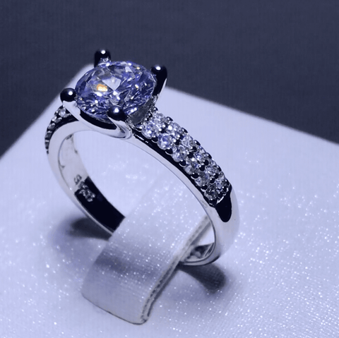 Fine Detailed Sleek Gem-Studded Ring