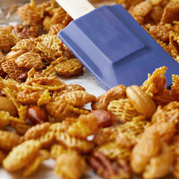 Crunchy, Salty, Caramel Tailgate Snack Mix