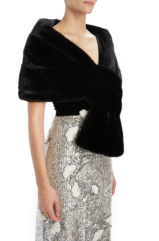 Noir pull through mink stole Monique Lhuillier