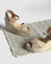 Load image into Gallery viewer, Bromelia 11cm Platform Sandal - Oro Claro