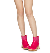 Load image into Gallery viewer, Slip-on Bootie - Fuchsia