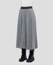 Load image into Gallery viewer, Micro Houndstooth Pleated Skirt - Black/White