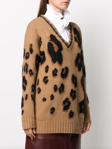 V-neck Sweater - Hazelnut Leopard