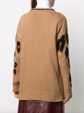 Load image into Gallery viewer, V-neck Sweater - Hazelnut Leopard