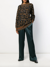 Load image into Gallery viewer, Crewneck Oversized Sweater - Animal Print