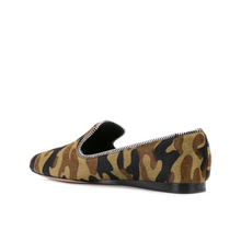Load image into Gallery viewer, Griffin Zip Loafer - Camo