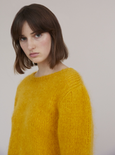Load image into Gallery viewer, Mohair Jumper - Pink