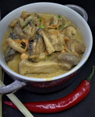 Mushroom Yellow Curry large. 450g Meal for two/three people.