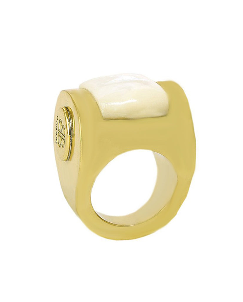Mother of Pearl Ring in 18K Gold