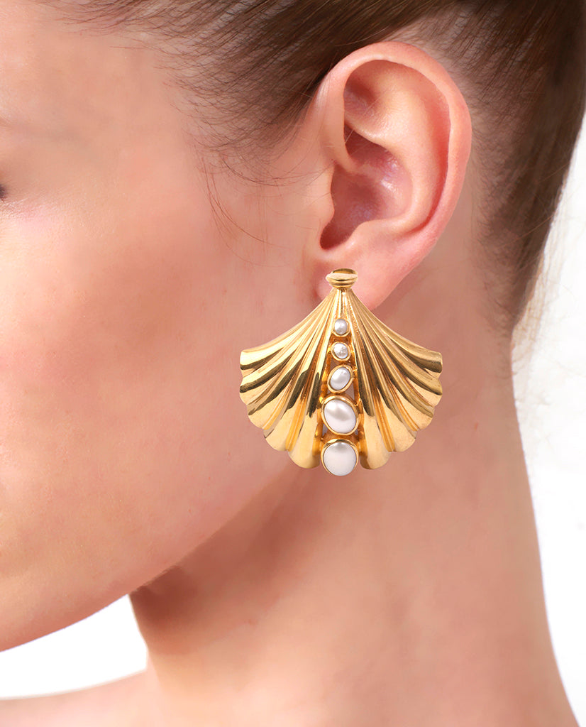 Roma Seashell Earrings in 18K Gold and Pearls