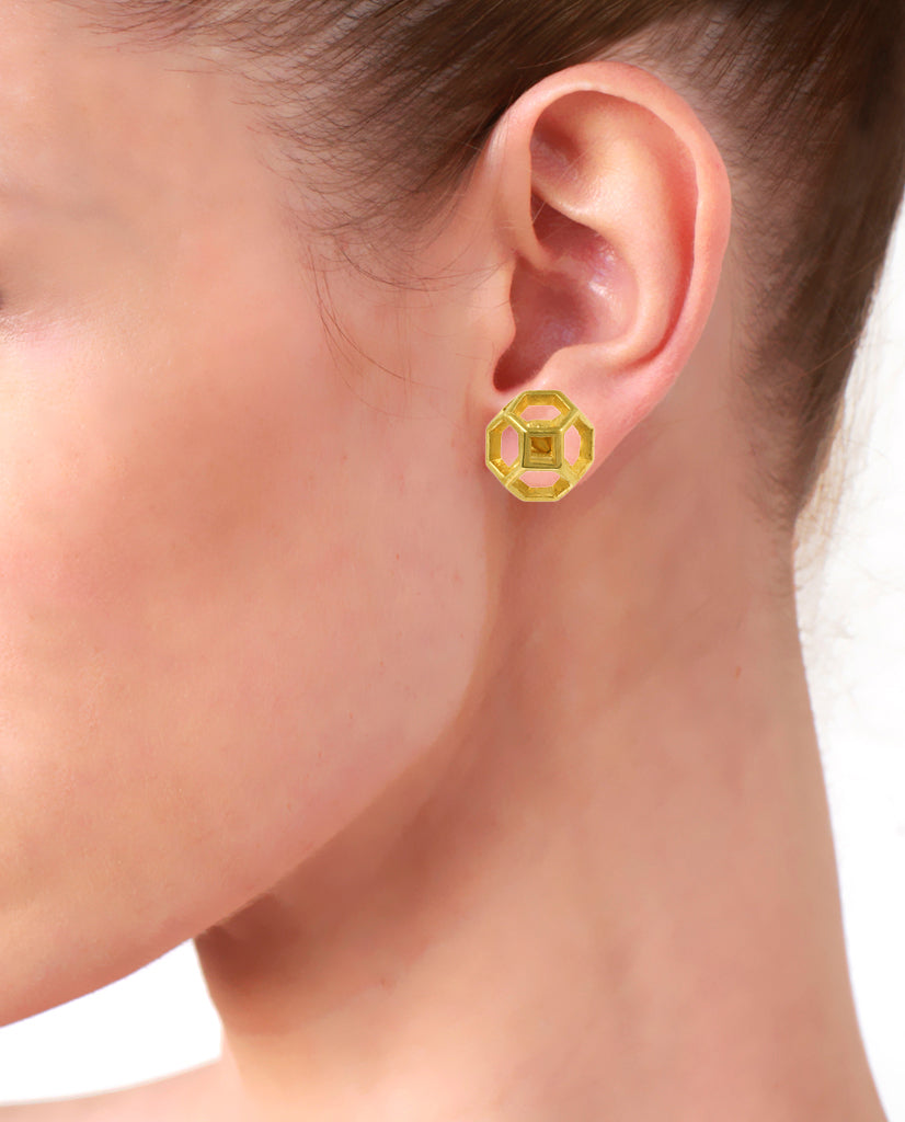 Small Spider Web Earrings in 18K Gold