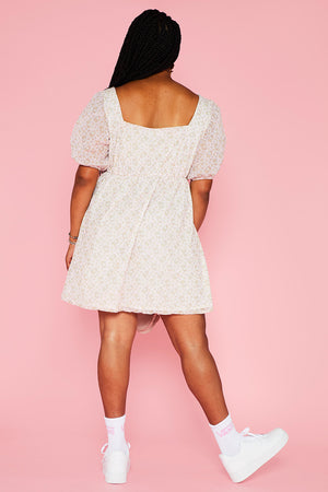 HELLO KITTY VOLUMINOUS PUFFY SLEEVE DRESS- CURVE