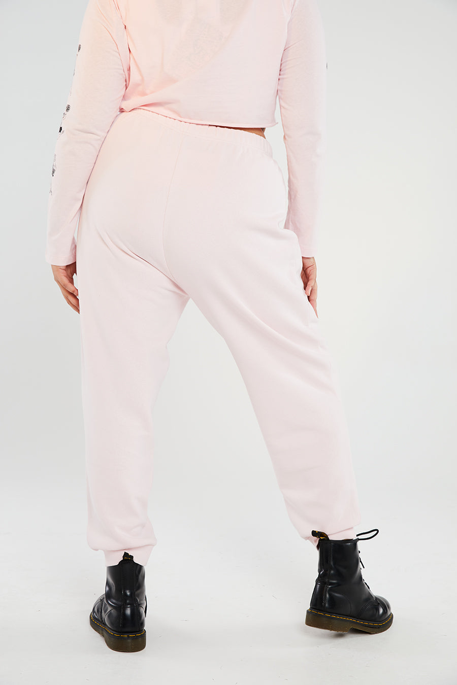 Cheer joggers curve