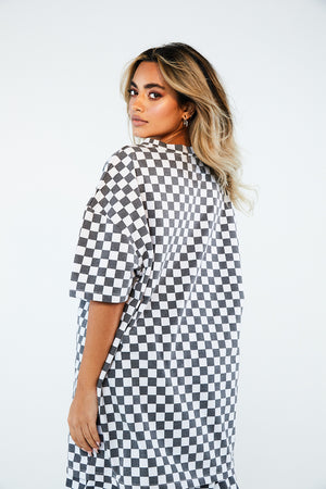 WHITE CHECKERBOARD TEE