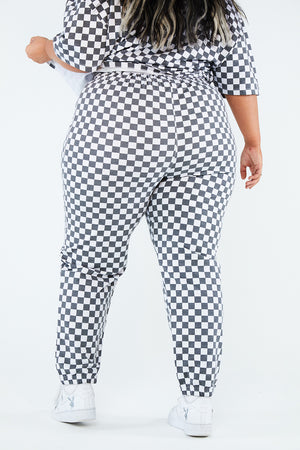 WHITE CHECKERBOARD TROUSER CURVE