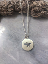 Bee, T-Shirt Pendant