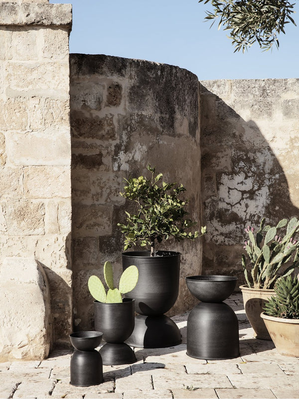 Hourglass Pot - Extra Small - Black/D. G