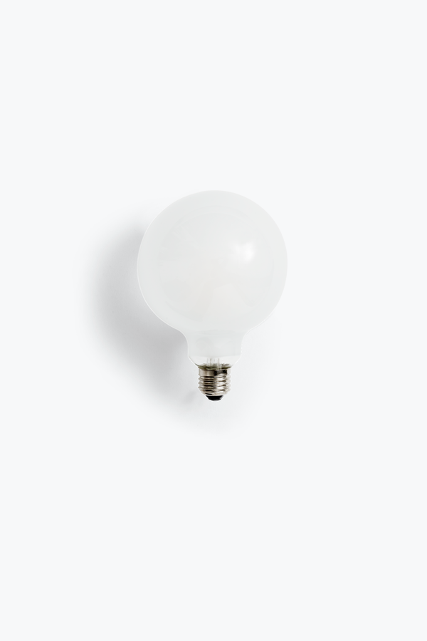LED Globe 125 - E27 LED Globe 125. 4W. Frosted Glass