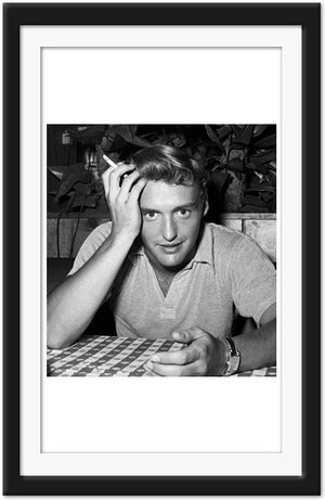 Young Dennis Hopper at Hollywood Italian restaurant (0012)