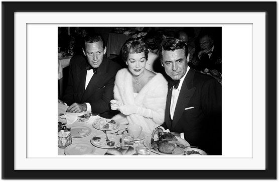 Exquisitely dressed Jane Wyman, William Holden and Cary Grant dating (0014)