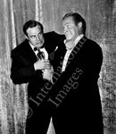 Marlon Brando and Bob Hope fight over Oscar (0019)
