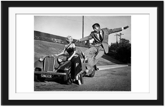 Sammy Davis Jr. airborne in front of Marilyn Monroe (0025)